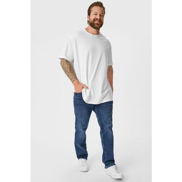 Regular Jeans - wassersparend produziert